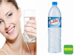 Những thói quen uống nước gây hại cho sức khỏe